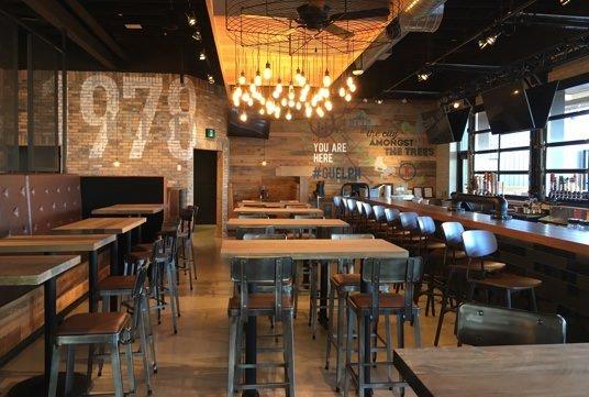 Kelseys restaurant interior